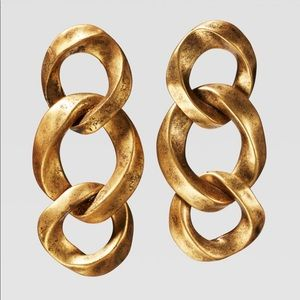 Limited edition link earrings